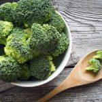Broccolistamppot met spekjes en paprika
